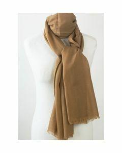 Effen camelkleurige sjaal van zachte wollen mousseline